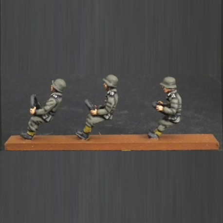 HV01 German army drivers (4 Figures)
