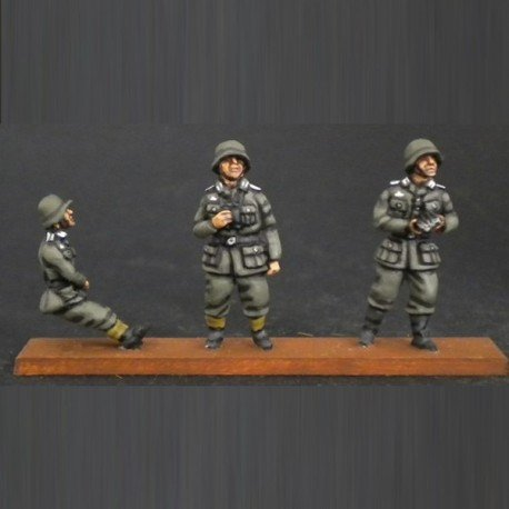 HV03 20mm anti-aircraft cannon crew (3 Figures)