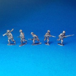 DAK infantry advancing